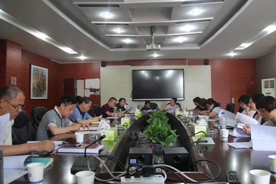 学校召开第二次党代会两委工作报告征求意见系列座谈会