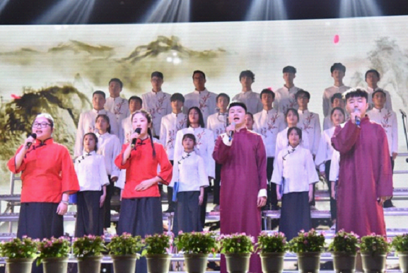 我校举办第一届中华经典诗文诵读比赛